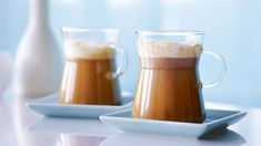 KAWA O SMAKU POMARAŃCZY Z PIANKĄ IMBIROWĄ    W Kuchni Lidla zachwycisz się przepisami na różne wariacje na temat kawy. Przygotuj tę o smaku pomarańczy z imbirem.