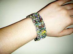 Lindsay Elizabeth M: Paper Bead Bracelets