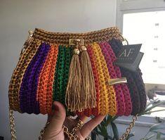 Crochet Pouch, Diy Crochet, Crochet Crafts, Crochet Stitches, Crochet Handbags, Crochet Purses, Crochet Designs, Crochet Patterns, Diy Crafts Knitting