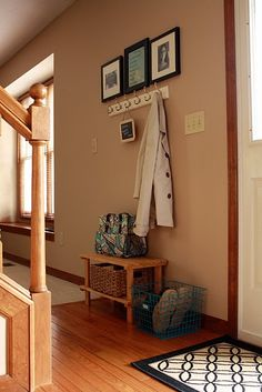 Simple and organized entry.