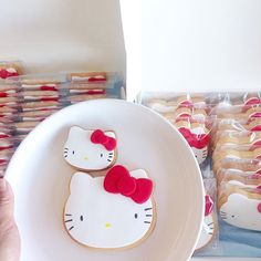 A bunch of these heading to @hellokittydineraus today! Don't miss out!