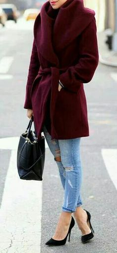 Use a classic bag when pairing with a bright statement coat this winter! www.lavoltaaccessories.com