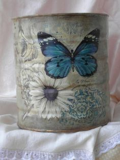 Altered Tins, Altered Bottles, Altered Art, Flower Wall Backdrop, Wall Backdrops, Tin Can Art, Tin Can Alley, Recycle Cans, Tin Can Crafts