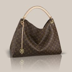 Louis Vuitton Monogram Canvas Artsy MM The Artsy MM embodies understated bohemian style. Louis Vuitton's iconic and divinely supple Monogram canvas is enhanced by rich golden metallic hardware and an exquisite handcrafted leather handle. Louis Vuitton Artsy Mm, Louis Vuitton Purses, Zapatos Louis Vuitton, Vuitton Bag, Lv Handbags, Handbags Online, Designer Handbags, Canvas Handbags, Discount Handbags