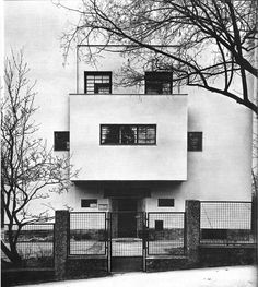 Adolf Loos - one of my fav architectural theorists Villa Müller Adolf Loos, 1930 Prague, Czech Republic