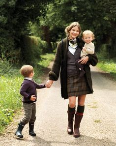 Christmas Card outfit ideas British country look {obsessed} English Country Fashion, British Country Style, Preppy Mode, Preppy Style, Style Me, A Well Traveled Woman, Tartan, Plaid, Estilo Country