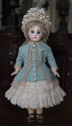 cm) Antique French Bisque Bebe Jumeau,Incised Depose Model with Blue Eyes ❤ Jumeau BullDoll ❤ Victorian Dolls, Antique Dolls, Victorian Dollhouse, Modern Dollhouse, Dollhouse Dolls, Miniature Dolls, Miniature Houses, Pretty Dolls, Beautiful Dolls