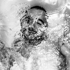 Submerged Water Portraits - The Alban Grosdidier Drowning Series is a Breathe of Fresh Air (GALLERY)