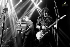 Corrían los primeros años de la década de los 80 en Uruguay cuando dos jóvenes comenzaron a escribir la historia de la banda fundamental Rock nacional. En el día de hoy, viernes 13 de marzo en Mmbox, no tuvimos nada de mala suerte, todo lo contrario. Todo comenzó con un invitado de lujo. El show de Jimmy Rip and The Trip, fue un aperitivo de lujo para lo que vendría. Hablar de Jimmy Rip, es hablar de guitarras, es tener un poco de historia del Rock en el escenario muy cerca de uno…