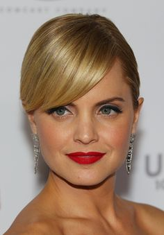Mena Suvari- she is one of the most gorgeous women!