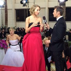 Jennifer Lawrence, Taylor Swift, Ryan Seacrest- Photobomb