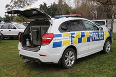 https://flic.kr/p/26oVMhw | KLF 477 | 2017 Holden Captiva LT. Following the demise of the Australian built Holden Commodore, the Captiva is the replacement dog vehicle for the New Zealand Police. This example is based in Timaru and features recently graduated police dog Saba in residence.