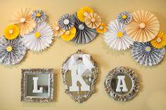 Resultado de imagen para decoracion con rosetones de papel