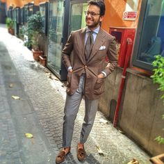 Such a GREAT dressed up casual look.
