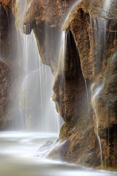 Nacimiento del rio Cuervo Cuenca Spain by Tobarrica Nature Pictures, Cool Pictures, Beautiful Pictures, Cuenca Spain, Cuenca Ecuador, Beautiful World, Beautiful Places, Easy Jet, Outdoor Pictures