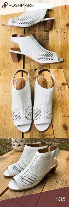 d59bf4c83c2f 💕HOST PICK 💕Comfortview white mesh block heel 💕Host Pick Item  💕Comfortview white