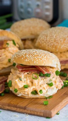 Instant Pot Crack Chicken made with chicken cheese bacon and Ranch is basically a meal on steroids so good that you will keep coming back. Instant Pot Pressure Cooker, Pressure Cooker Recipes, Pressure Cooking, Slow Cooker, Crack Chicken, How To Cook Chicken, Ip Chicken, White Chicken, Chicken Chili