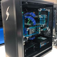 Black and blue Velox #digitalstorm #rigs