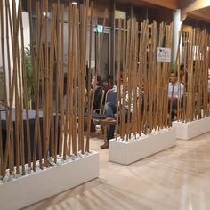 Vertical Garden Design, Fence Design, Wall Design, Bamboo Poles, Bamboo Wall, Church Interior, Modern Interior, Office Space Decor, Home Room Design