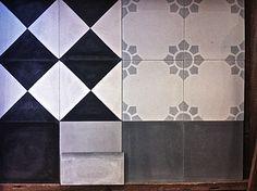 Kuvahaun tulos haulle vanhanajan kylpyhuone Joko, Quilts, Blanket, Contemporary, Rugs, Garden Ideas, Home Decor, Terracotta, Farmhouse Rugs