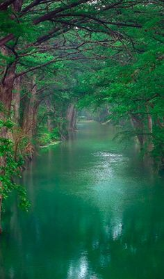 The beautiful River Lune in Lancaster, England • photo: Greg Sick on Flickr