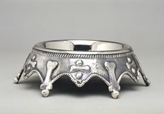 Regal dog bowl for my little King!