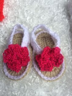"Baby sandals Crochet baby costumes for sale in facebook page ""zapatitos bonnie blue houston"", We ship any where. 8327268405. #crochetcostumes #crochetshoes #crochetbunny #crochetbabyoutfit #crochetbabycostumes"