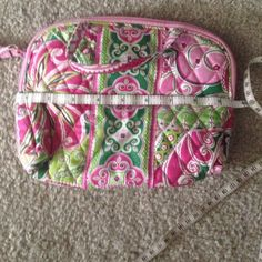 """Vera Bradley make up bag Never used- still with tags!  Zipper works perfectly!  Measures 9.5 inches across. X 7.5"""" high.  Excellent condition! Smoke & pet free home! Vera Bradley Bags Cosmetic Bags & Cases"""