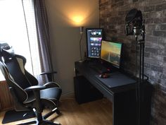 Just got my first apartment and Battlestation done! What do you guys think?