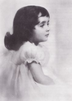 """Elizabeth Taylor This photo was on the flyleaf of the book, """"Mother's Encyclodepia."""""""