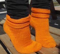 Salli-sukat, nauhakavennuskantapää - Punomo - käsityö verkossaPunomo - käsityö verkossa Leg Warmers, Socks, Legs, Accessories, Fashion, Leg Warmers Outfit, Moda, Fashion Styles, Sock