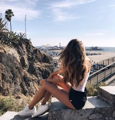 Aaaaah, fresh California air. There's nothing like taking a personal day to just ENJOY my city!! Shop the tees I love to adventure in here. bubblepopbeauty.com/shop