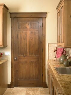 The Comprehensive Details Of The Best Craftsman Interior Doors — Interior & Exterior Doors Design Craftsman Interior Doors, Interior Door Trim, Craftsman Trim, Rustic Interior Doors, Exterior Doors, Interior Door Styles, Craftsman Houses, Rustic Doors, Wood Doors