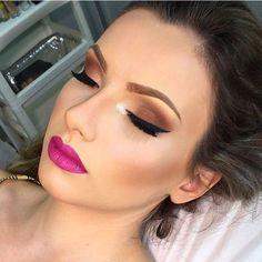 Make-up. I love the lip color Full Face Makeup, Kiss Makeup, Cute Makeup, Makeup Geek, Makeup Inspo, Makeup Addict, Makeup Inspiration, Beauty Makeup, Hair Makeup