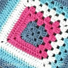 This 9 inch Split Granny Square is the Afghan Block in the Crochet A Block Afghan 2017 Crochet Along! Crochet Squares, Crochet Motifs, Granny Square Crochet Pattern, Crochet Blocks, Crochet Blanket Patterns, Crochet Stitches, Granny Square Blanket, Crochet Shawl, Scarf Patterns