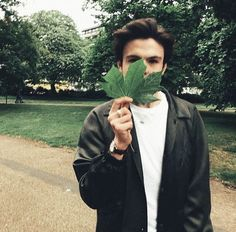This is a perfectly in focus picture of a leaf and me. How lovely Why I Love Him, My Love, Focus Pictures, Blake Richardson, Blake Edwards, Age 20's, New Hope Club, Bae Goals, Love Again
