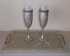 χειροποίητα ποτήρια σαμπάνιας γάμου σετ 2 τεμαχίων άσπρο χρυσό κρακελέ λινό κορδόνι Flute, Champagne, Tableware, Dinnerware, Tablewares, Flutes, Dishes, Tin Whistle, Place Settings