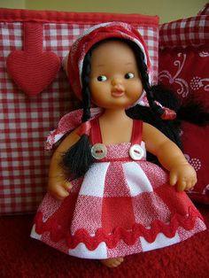 Cosiendo en casita Girl Doll Clothes, Girl Dolls, Barbie, Kewpie, Lana, Summer Dresses, Baby Dresses, Comic Books, Sewing