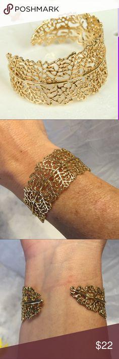 Stella & Dot Grace Cuff Gorgeous Stella & Dot cuff. Worn maybe 2 times. Well taken care of. EUC. Stella & Dot Jewelry Bracelets