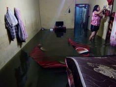 Oh Tuhan  rumah kami kebanjiran. :'(  Komplek Perumahan Naibaho Kompleks Stadion Tarutunh.