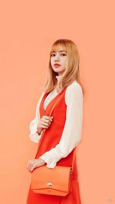 Lisa from Blackpink Kim Jennie, Jenny Kim, Kpop Girl Groups, Korean Girl Groups, Kpop Girls, Mamamoo, 2ne1, Super Junior, Yg Entertainment