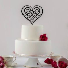 Wedding Cake Topper, Celtic Cake Topper, Irish Wedding, Celtic Wedding, Lord of . Celtic Wedding, Irish Wedding, Wedding Cake Designs, Wedding Cake Toppers, Afternoon Tea Wedding, Heart Wedding Cakes, Love Cake Topper, Luxury Cake, Elegant Cakes