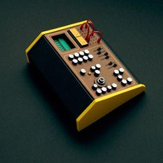 Dan McPharlin -Analogue Miniature Synthesizers: