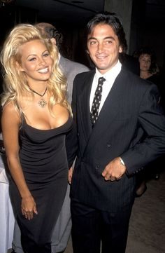 Pamela Anderson & Scott Baio in 1993 Odd Couples, Famous Couples, Scott Baio, Old Love, Baywatch, Girl Next Door, Celebs, Celebrities, Famous Faces