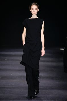Ann Demeulemeester Fall 2014 RTW - Review - Fashion Week - Runway, Fashion Shows and Collections - Vogue