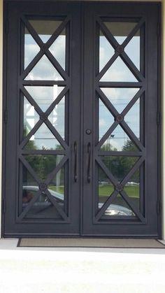 Love this door style!