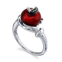 Disney X RockLove Snow White & the Seven Dwarfs Fairest Apple Ring Types Of Wedding Rings, Wedding Ring Styles, Wedding Rings Vintage, Disney Jewelry Collection, Snow White Wedding, Disney Prom, Apple Rings, Seven Dwarfs, 7 Dwarfs