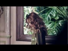 Swedish multinational retailer H has joined forces for a three-year global collaboration with the World Wildlife Federation, adding French actress/singer Vanessa Paradis to be the spring face of H's Conscious Collection. Vanessa Paradis, Fashion Videos, Fashion News, Fast Fashion, World Wildlife Federation, Projection Mapping, Fashion Marketing, French Actress, Inspirational Videos