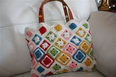 bag - Crochet Me  Love the pattern with colors!