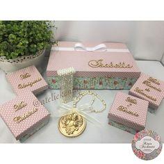 Caixa linda para recordações de seu bebê.. (caixas 100% forradas em tecido com caixinhas menores para: Minha pulseirinha da maternidade, Meu cabelinho, Meu umbiguinho e Meu primeiro dentinho; Medalhão de berço e Letra personalizada com pérolas)  #caixarecordacao #caixarecordacoesbebe #caixarecordacoes #caixadecorativa #decoração #luxo #decor #feitoamão #instadecor #arte #artesanato #delicadeza #organizaçãoemcaixa #decoration #caixadecorada #beautiful #love #letrapersonizada #medalhaodeb...